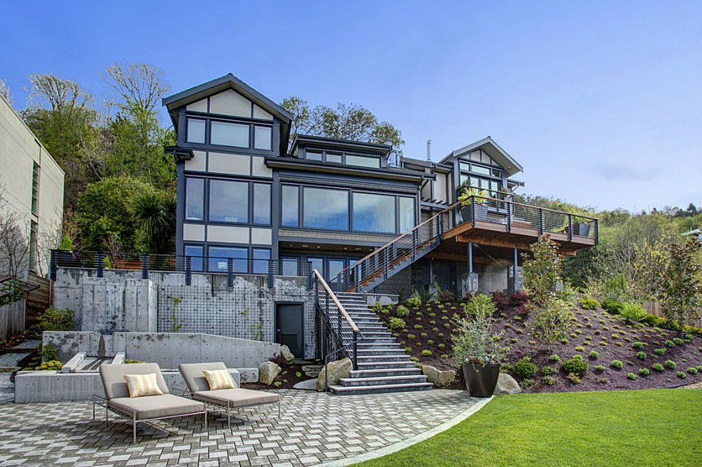 West Seattle Residence on the water