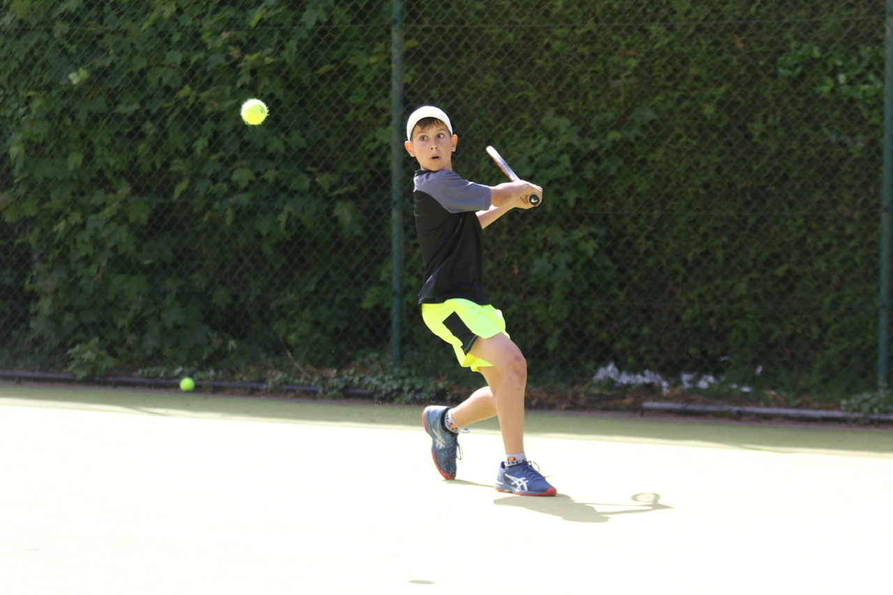 Junior Essex tennis player