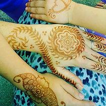 henna hands stain