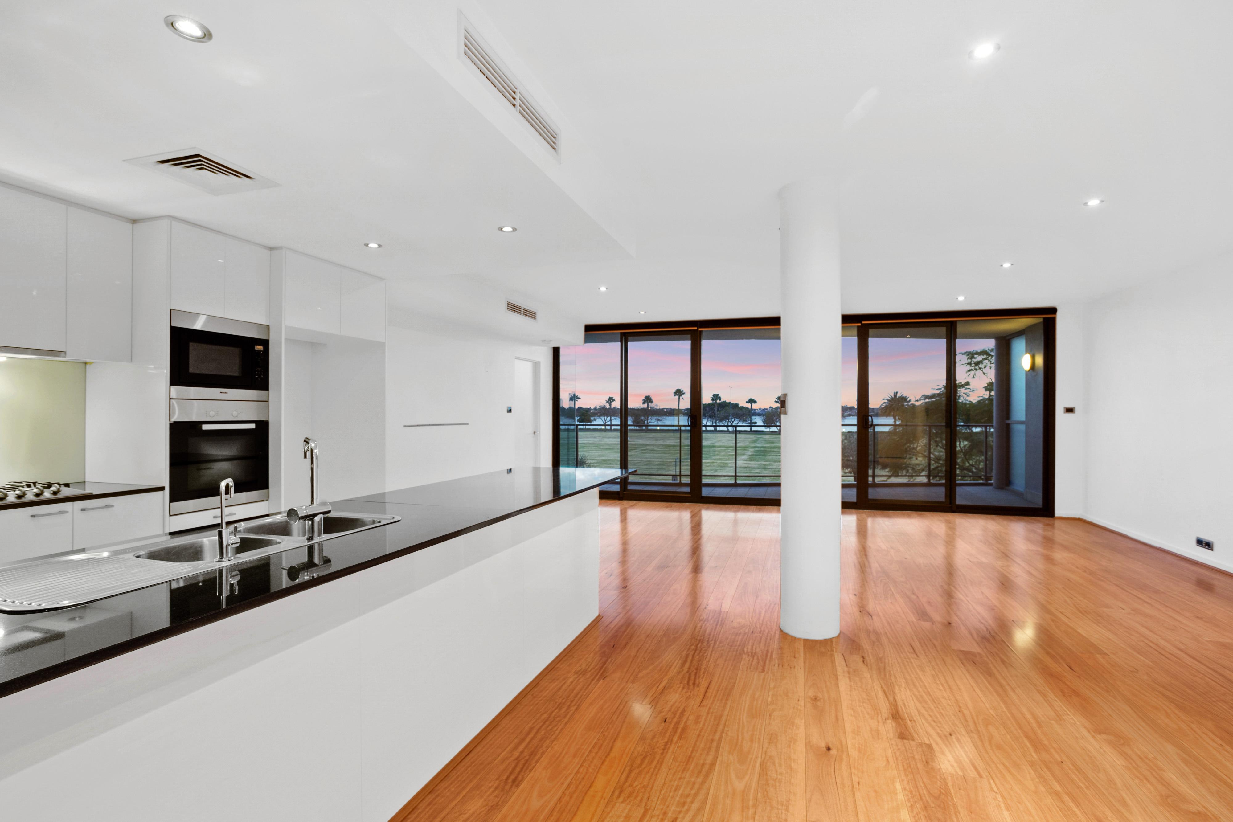PRINT 98 Terrace Rd Perth 24