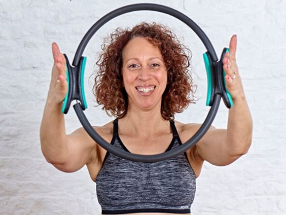 Zoisa ready to work with you. Book your initial assessment and start your fitness and wellbeing journey today