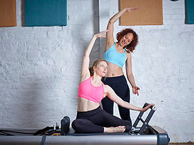 4U Pilates intructor Zoisa Holder giving a private 121 pilates session