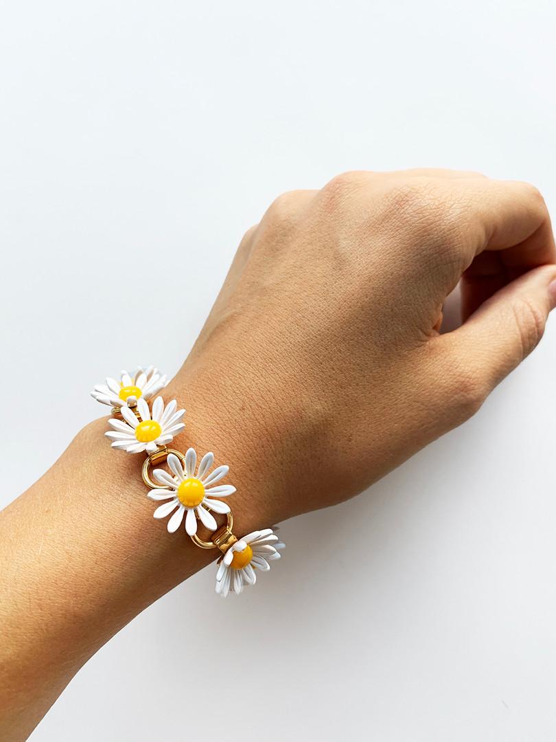 daisybracelet.jpg