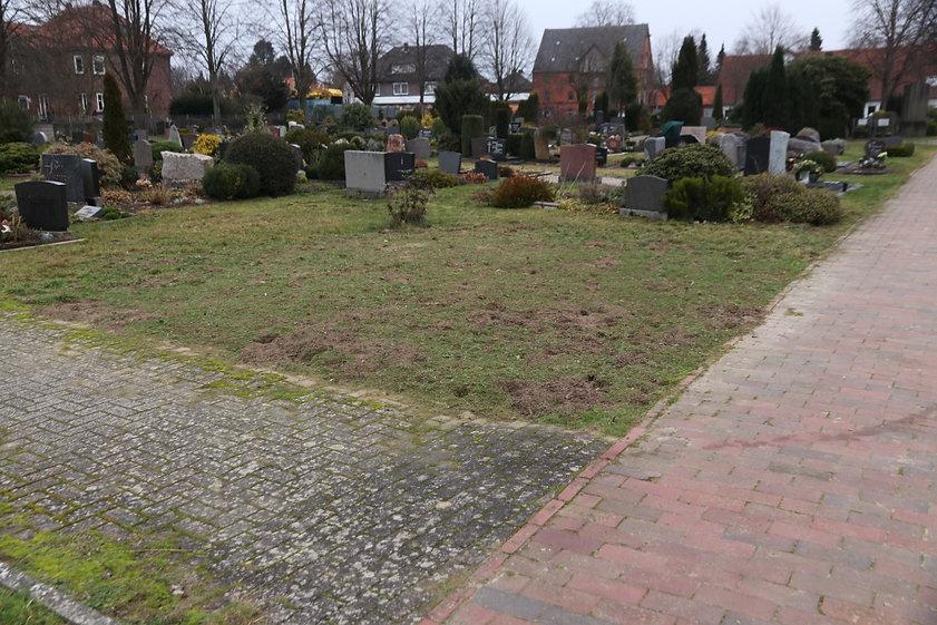 Friedhof Bluehflaeche 1.JPG