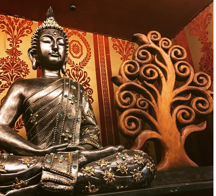 Figura Buda con Árbol de la Vida