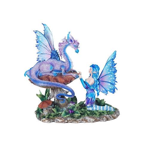 Figura de hada con dragón