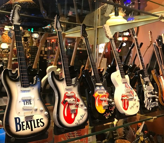 Guitarras decorativas