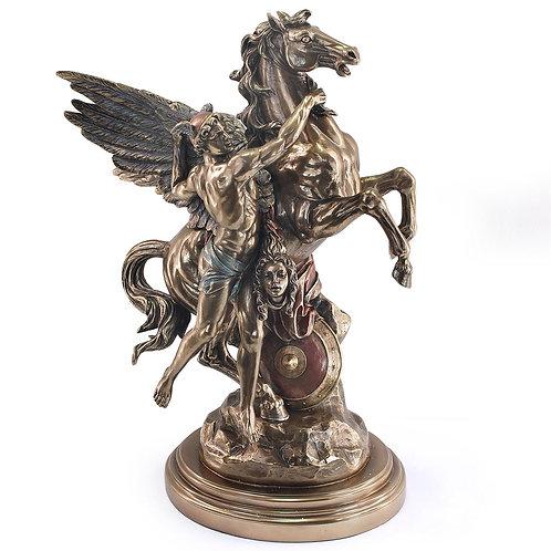 Figura de Perseo con Pegaso y la cabeza de Medusa