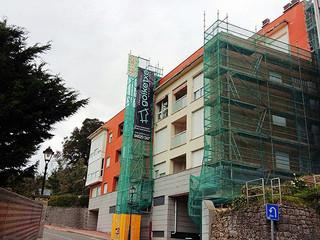 Iniciados los trabajos de rehabilitación de fachada y cubiertas en Ibarrangelua.