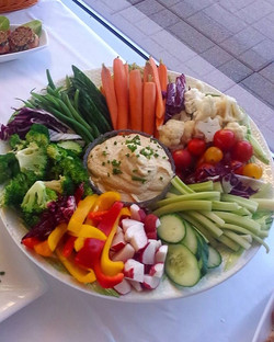 Can't forget the veggies 😋_-_-_-_-_-_#party #food #healthy #vegan #veggies #stillfun #catering