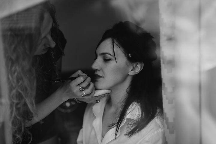 JENNA SMITH making up Amy Mcr.jpg