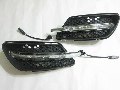 純正品 W204 Cクラス LEDデイライト 一文字型