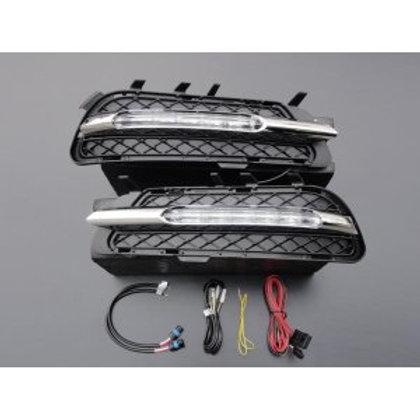 純正品 W212 Eクラス ノーマルバンパー用 LEDデイライト一文字型