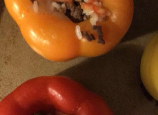 Heroes!!! Mealprep idea:  Bell peppers with 2oz of ground beef ineach with rice.#Prevention in