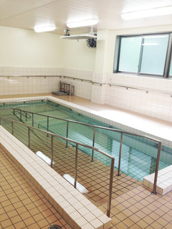 浜坂七釜温泉病院のリハビリ用温泉プールです