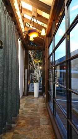 Rendez-Vousの店内通路の様子です