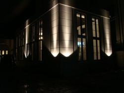 Rendez-Vous Lienの夜の外観です