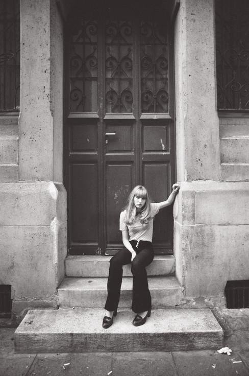 Adèle Sitting on the Porch b&w
