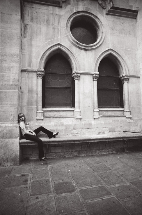 Adèle  and the Chirch b&w