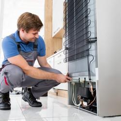 conserto-de-geladeira-tecnico-450x450