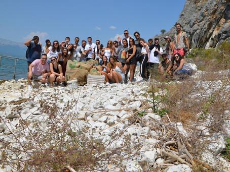 Καθαρισμός παραλίας του Ασκηταριού της Μεταμορφώσεως.