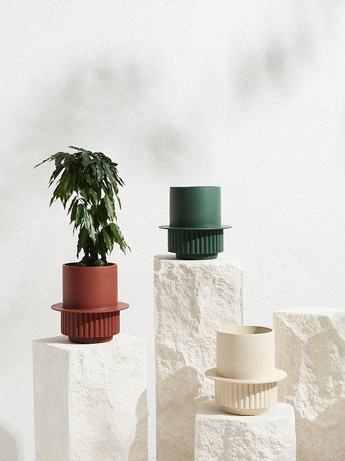Roma planter