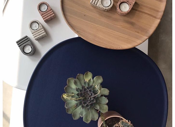 Naive coffee/side table