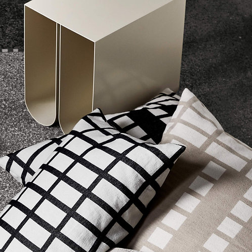 Contemporary cushion 40
