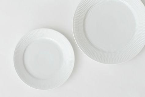 lej hvidriflet stel fra royal copenhagen hos tablesetting til bryllup og fest