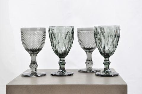 Udlejning af grå glas til bryllup, konfirmation og fester hos Tablesetting.