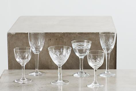 leje af dessertvinsglas krystal hos tablesetting til dit bryllup