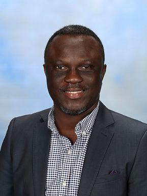 Mr Michael Akinsanya