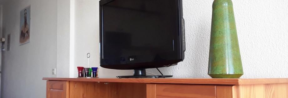 Buffet et télé