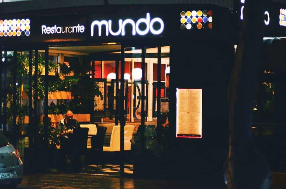 Un restaurant très sympa qui sert une cuisine d'inspiration méditerranéenne avec une touche canarienne.