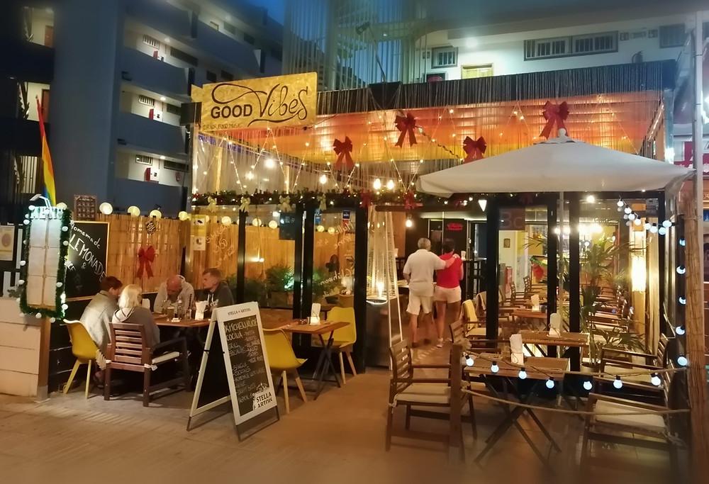 La terrasse décontractée et sans prétention pour prendre un verre dans une ambiance street food.
