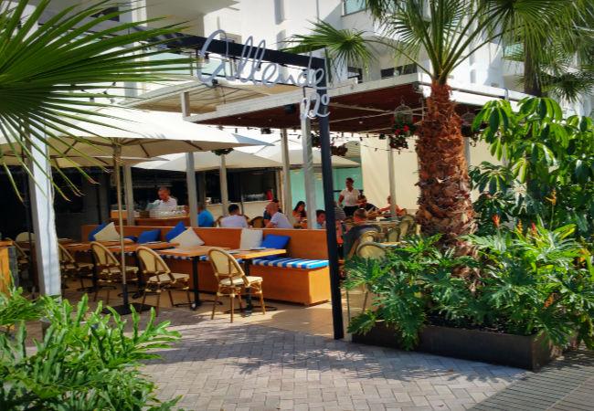 Le restaurant Allende 22 fait partie de la fameuse chaîne de restaurants Allende Restauration dont le succès ne se dément pas à Gran Canaria depuis plus d'une dizaine d'années.