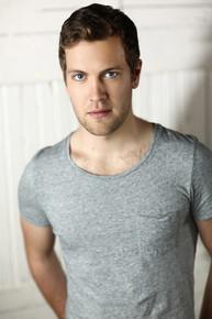 Spencer Robson (Reign, Air Emergency, Murdoch Mysteries)