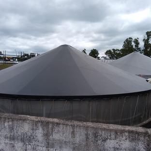 Cobertura estruturada de tanques