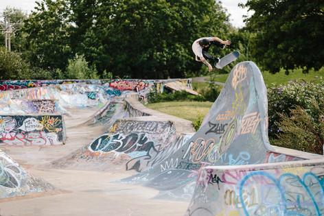 Clay Kreiner Kickflip Fakie Tottenham DIY Skatepark
