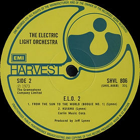 "ELO2 LP SHVL 806 EMI Ltd in 1976 with ""MOMMA"" correctly speltas ""MOMMA"" on A-side label."