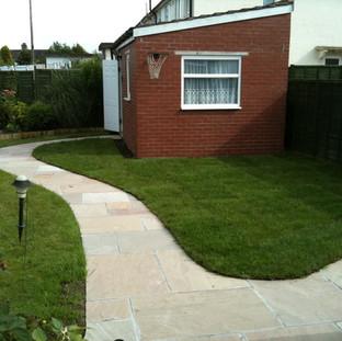 Alun Gedrych Ltd - Sandstone path