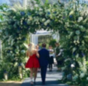 wedding_walk_flowers.jpg
