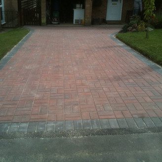 Alun Gedrych - Driveway Laid in a Basket Weave Pattern