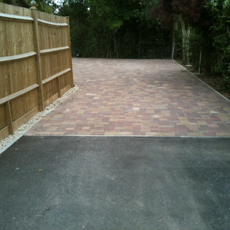 Alun Gedrych - Driveway using Brindle and Autumn Gold Colour Blocks