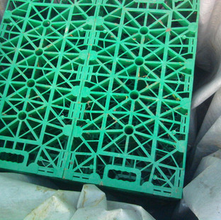 Alun Gedrych - Plastic Crate Soak Away
