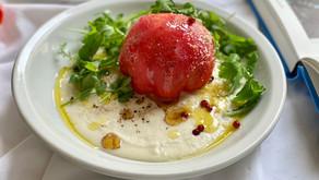 夏にぴったり皮を剥いたまるごとトマトとじゃがいもピューレの冷菜に美味しいオリーブオイルを足したヘルシープレート