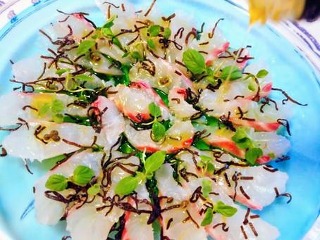 オリーブオイルでいただく真鯛のカルパッチョ