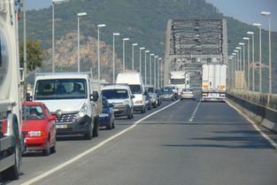 "Acidente na ponte ""entupiu"" Vila Franca"
