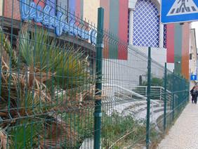 Lixo acumula-se no antigo Vilafranca Centro