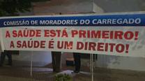 Moradores reclamam médicos em vigília